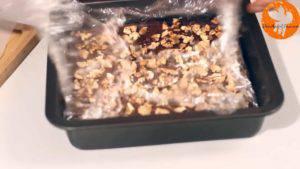 Đam Mê Ẩm Thực Sau-khi-hỗn-hợp-đã-đông-lấy-khuôn-ra-và-tách-bánh-ra-khỏi-khuôn-2-300x169