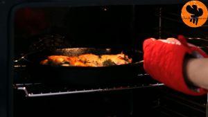 Đam Mê Ẩm Thực Sau-khi-nướng-xong-cho-chảo-ra-rây-để-nguội-15-phút