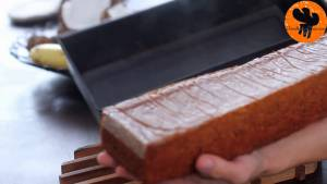 Đam Mê Ẩm Thực Sau-khi-nướng-xong-cho-khuôn-ra-rây-để-nguội-10-phút-và-tách-bánh-ra-khỏi-khuôn4