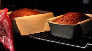Đam Mê Ẩm Thực Sau-khi-nướng-xong-cho-khuôn-ra-rây-và-tách-bánh-khỏi-khuôn3-300x169