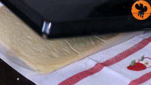 Đam Mê Ẩm Thực Sau-khi-nướng-xong-cho-khuôn-ra-và-tách-bánh-khỏi-khuôn-300x169