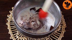 Đam Mê Ẩm Thực Tắt-bếp-và-để-nồi-ra-rây-thêm-Chocolate-và-khuấy-cho-đến-khi-tan-đều2