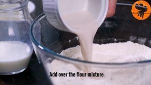 Đam Mê Ẩm Thực Thêm-13-cup-80ml-sữa-tươi-không-đường-đã-làm-ấm-và-khuấy-đều-tay