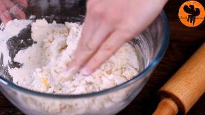 Đam Mê Ẩm Thực Thêm-13-cup-80ml-sữa-tươi-không-đường-đã-làm-ấm-và-khuấy-đều-tay6