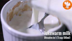 Đam Mê Ẩm Thực Thêm-13-cup-80ml-sữa-tươi-không-đường-đã-làm-ấm-và-khuấy-đều-tay8-1