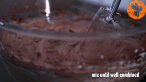Đam Mê Ẩm Thực Thêm-198g-sữa-đặc-bột-cacao-và-tiếp-tục-đánh-cho-đến-khi-quyện-đều6-300x169