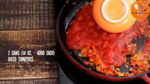 Đam Mê Ẩm Thực Thêm-cà-chua-tươi-thái-hạt-lựu-và-đảo-đều-cho-đến-khi-sôi