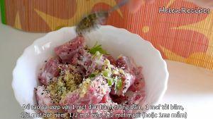 Đam Mê Ẩm Thực Thêm-hành-băm-tỏi-băm-bột-nêm-hạt-tiêu-muốinước-mắm-vào-bát-sườn-và-trộn-đều-ướp-trong-15-phút4