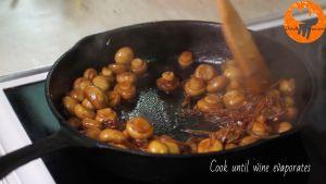 Đam Mê Ẩm Thực Thêm-hạt-tiêu-và-đảo-đều-cho-đến-khi-cạn-rượu-se-lại3
