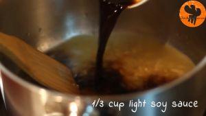 Đam Mê Ẩm Thực Thêm-nước-dùng-gà-nước-tương-Maggi-mật-ong-giấm-gạo-đường-nâu-và-khuấy-đều-cho-đến-khi-sôi-nhẹ2