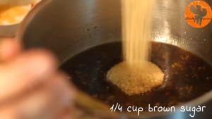 Đam Mê Ẩm Thực Thêm-nước-dùng-gà-nước-tương-Maggi-mật-ong-giấm-gạo-đường-nâu-và-khuấy-đều-cho-đến-khi-sôi-nhẹ5