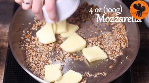Đam Mê Ẩm Thực Thêm-phô-mai-Mozzarella-thái-nhỏ-và-đảo-đều-cho-đến-khi-tan