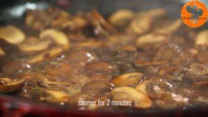 Đam Mê Ẩm Thực Thêm-rượu-Marsala-vào-chảo-và-nấu-trong-2-phút-cho-đến-khi-sôi-bong-bóng1
