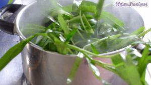 Đam Mê Ẩm Thực Thêm-rau-muống-đã-nhặt-sẵn-vào-nồi-trong-30-phút-cho-đến-khi-rau-chín-và-mềm