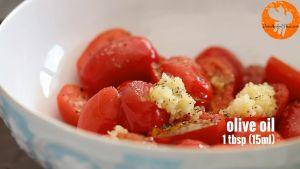 Đam Mê Ẩm Thực Thêm-tỏi-băm-nhỏ-hạt-tiêu-muối-dầu-Ôliu-và-trộn-đều4