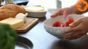 Đam Mê Ẩm Thực Thêm-tỏi-băm-nhỏ-hạt-tiêu-muối-dầu-Ôliu-và-trộn-đều5