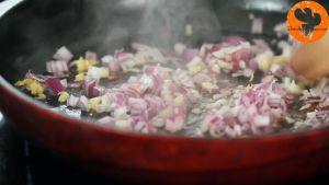 Đam Mê Ẩm Thực Thêm-tỏi-vào-chảo-và-khuấy-đều-trong-2-phút1