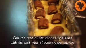 Đam Mê Ẩm Thực Tiếp-tục-nhúng-8-miếng-bánh-sampa-còn-lại-vào-hỗn-hợp-cà-phê-và-xếp-đều-vào-khuôn2
