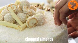 Đam Mê Ẩm Thực Trang-trí-với-dừa-nạo-nhỏ-bánh-Raffaello-Chocolate-trắng-và-hạnh-nhân-nghiền-nhỏ3