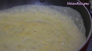 Đam Mê Ẩm Thực Để-3-5-giây-cho-trứng-róc-quan-viền-dùng-tay-lấy-trứng-lên-và-lật-lại-1-2-giây-cho-ra-đĩa