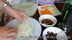Đam Mê Ẩm Thực u-đủ-vắt-khô-nước-cho-ra-đĩa-cùng-vài-sợi-Cà-Rốt-trang-trí