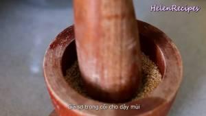 Đam Mê Ẩm Thực 14-cup-Vừng-Mè-trắng-rang-trên-chảo-nóng-cho-đến-khi-vàng-và-thơm.-Sau-đó-giã-sơ-trong-cối-cho-dậy-mùi3