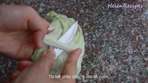 Đam Mê Ẩm Thực Cắt-chỗ-cuống-lá-rồi-nhúng-bắp-cải-vào-nước-để-dễ-tách-hơn3