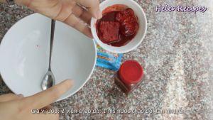 Đam Mê Ẩm Thực Cho-1-tbsp-Nước-chao-đỏ-12-tsp-Bột-ngũ-vị-hương-vào-bát-nhỏ-và-tán-nhuyễn