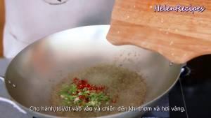 Đam Mê Ẩm Thực Cho-Sả-hành-tỏi-ớt-vào-và-đảo-đều-chiên-đến-khi-thơm-và-hơi-vàng3