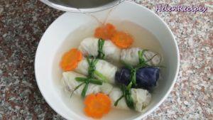 Đam Mê Ẩm Thực Cho-bắp-cải-cuốn-thịt-lát-cà-rốt-chín-ra-bát-và-thêm-chút-rau-mùi-hoặc-dầu-mè-không-bắt-buộc-cho-thơm