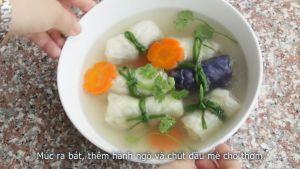 Đam Mê Ẩm Thực Cho-bắp-cải-cuốn-thịt-lát-cà-rốt-chín-ra-bát-và-thêm-chút-rau-mùi-hoặc-dầu-mè-không-bắt-buộc-cho-thơm3