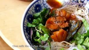 Đam Mê Ẩm Thực Cho-cá-ra-đĩa-thêm-nước-cá-hạt-tiêu-và-hoàn-thành7