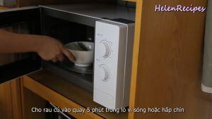 Đam Mê Ẩm Thực Cho-rau-củ-vào-lò-vi-sóng-quay-5-phút-hoặc-hấp-chín2