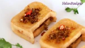 Đam Mê Ẩm Thực Khi-đậu-đã-vàng-đều-2-mặt-cho-ra-đĩa-rắc-ít-ớt-lát-mùi-tầu-không-bắt-buộc-để-trang-trí-và-hoàn-thành