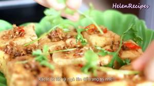 Đam Mê Ẩm Thực Khi-đậu-đã-vàng-đều-2-mặt-cho-ra-đĩa-rắc-ít-ớt-lát-mùi-tầu-không-bắt-buộc-để-trang-trí-và-hoàn-thành2