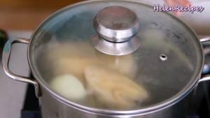 Đam Mê Ẩm Thực Khi-nước-sôi-vớt-bọt-và-đậy-nắp-đun-ở-lửa-nhỏ-cho-gà-chín-đều-trong-20-25-phút2