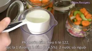 Đam Mê Ẩm Thực Làm-nước-ngâm-Cho-1-cup-Đường-2-cup-Dấm-trắng-2-cup-Nước-lọc-vào-bát-lớn-và-khuấy-cho-đến-khi-tan-đều3