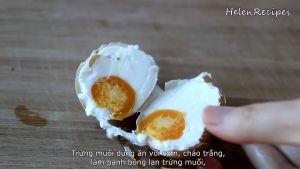 Đam Mê Ẩm Thực Lấy-trứng-ra-và-luộc-chín.-Sau-đó-bóc-vỏ-và-dùng-với-cơm-cháo-trắng-hoặc-làm-nước-sốt-cho-các-món-chiên