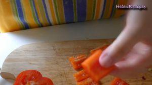 Đam Mê Ẩm Thực Loại-bỏ-lõi-và-cắt-quả-ớt-chuông-thành-từng-miếng-vuông-2cm3