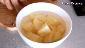 Đam Mê Ẩm Thực Loại-bỏ-vỏ-cắt-300g-Khoai-tây-miếng-vuông-vừa-ăn-và-ngâm-trong-nước-muối-loại-bỏ-chất-không-tốt-cho-sức-khỏe-và-đỡ-bị-thâm4