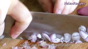 Đam Mê Ẩm Thực Loại-bỏ-vỏ-và-băm-nhuyễn-hành-tím2