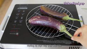 Đam Mê Ẩm Thực Nướng-cà-trực-tiếp-trên-bếp-lửa-cho-đến-khi-vỏ-cà-hơi-cháy-xém-có-thể-thử-bằng-cách-dùng-xiên-dễ-dàng-đâm-qua-là-được
