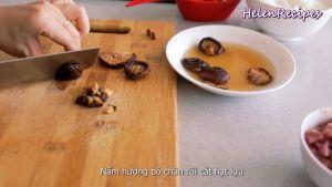 Đam Mê Ẩm Thực Nấm-hương-bỏ-chân-và-cắt-hạt-lựu