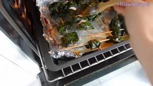 Đam Mê Ẩm Thực Quết-dầu-trước-và-trong-khi-nướng-lên-mặt-lá-lốt-để-tránh-bị-cháy-hoặc-khô2