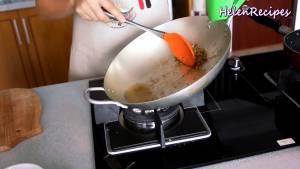 Đam Mê Ẩm Thực Rồi-tách-phần-dầu-với-phần-xả-ớt-chiên-vàng