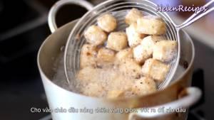 Đam Mê Ẩm Thực Sau-15-phút-cho-đậu-vào-chảo-dầu-nóng-chiên-vàng-giòn.-Sau-đó-vớt-ra-để-ráo-dầu2