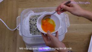 Đam Mê Ẩm Thực Sau-30-phút-phết-đều-2-lòng-đỏ-trứng-đã-đánh-đều-lên-mặt-miếng-chả-và-hấp-thêm-5-phút