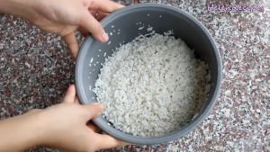 Đam Mê Ẩm Thực Sau-4-tiếng-gạo-nếp-ngâm-nở-để-ráo-nước