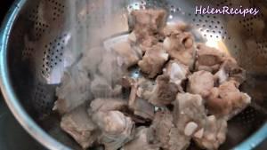 Đam Mê Ẩm Thực Sau-5-phút-đổ-sườn-ra-rổ-và-rửa-sạch3