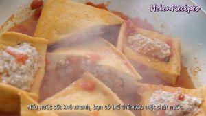 Đam Mê Ẩm Thực Sau-khi-đậu-phụ-thấm-đều-sốt-cà-chua-rắc-hành-và-hoàn-thành